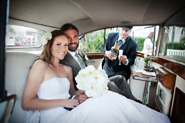 classic-car-wedding-for-two