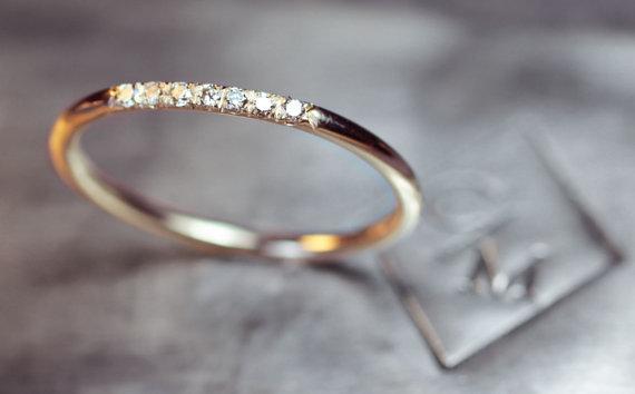 anillo-de-matrimonio-con-diamantes