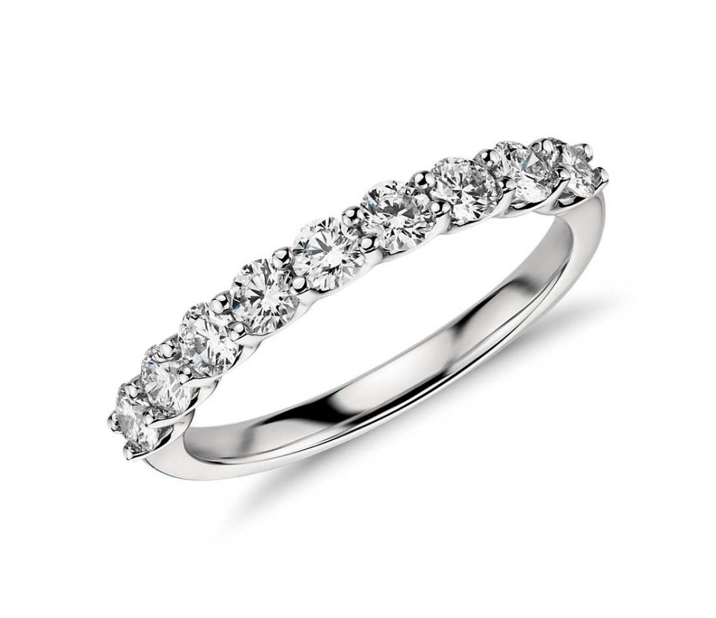 argolla-de-matrimonio-con-diamantes