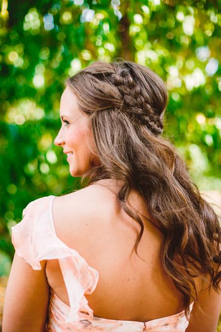 peinado-con-trenza-y-cabello-suelto