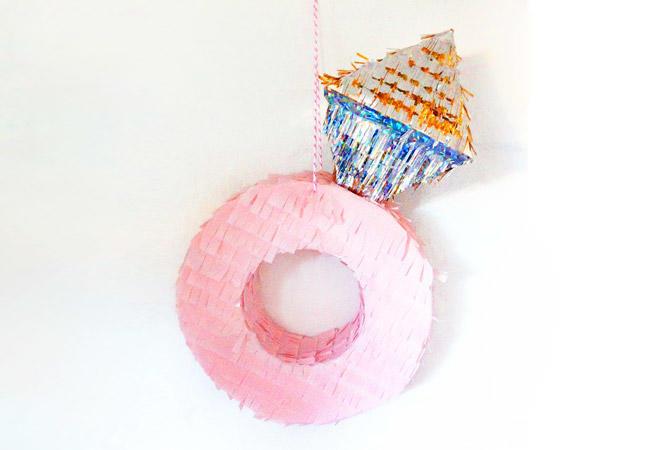piñata-anillo-compromiso